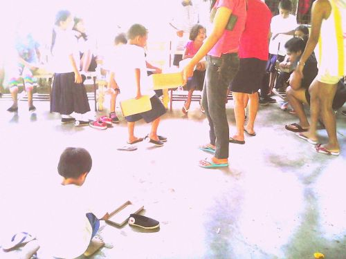 giftED SOLs gifting soles to Binanuahan Elementary School pupils